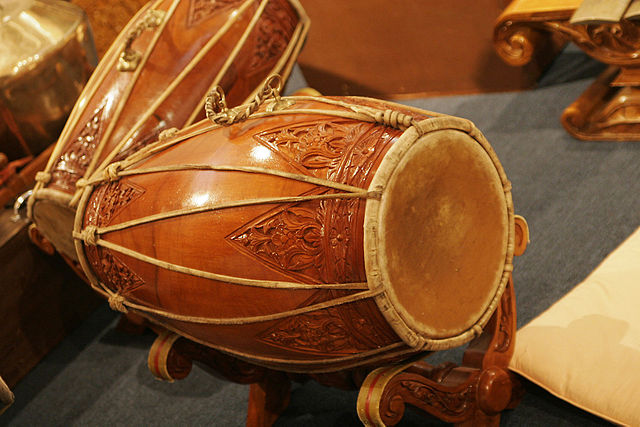 traditional indonesian drums